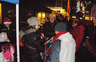 Christmas Fayre - People enjoying the atmosphere despite the weather
