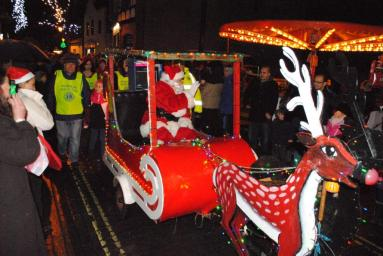 Christmas Fayre - Here comes Santa Clause in his sleigh