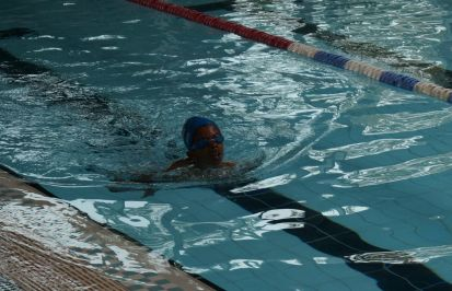 Alexander swimming strongly on the return leg