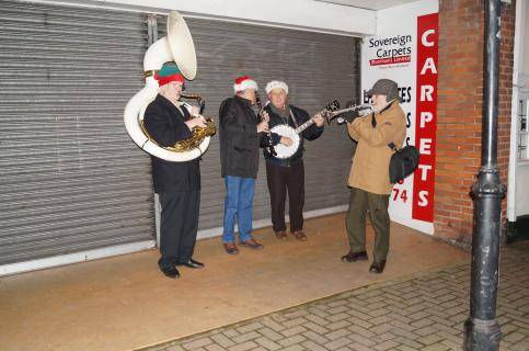 Ever popular Swing Band