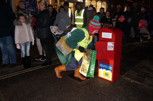 Sabta's Elf empties his Special Delivery postbox