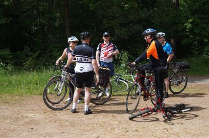 Roders meet before the ride
